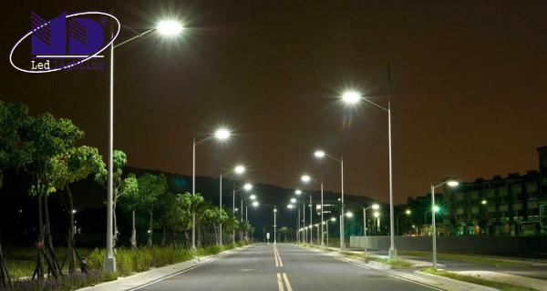 Đèn LED chiếu sáng ngoài trời cho đường phố
