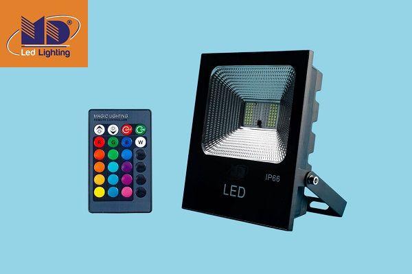 Đèn pha LED đổi màu MD