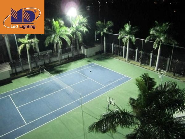 Công suất đèn là tiêu chí đặc biệt quan trọng khi chọn đèn LED chiếu sáng sân bóng